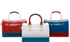 Морская тема: новые пластиковые сумки от Furla
