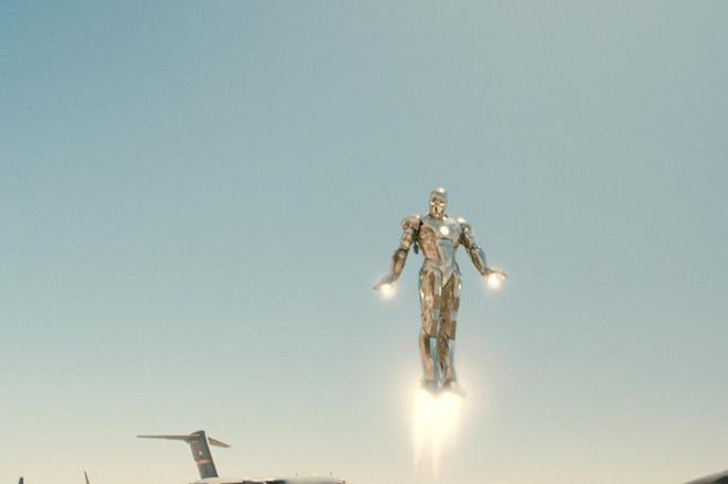 Яркий момент создания нового костюма Железного человека, вероятно, войдет в историю как один из самых захватывающих эпизодов мирового кинематографа.