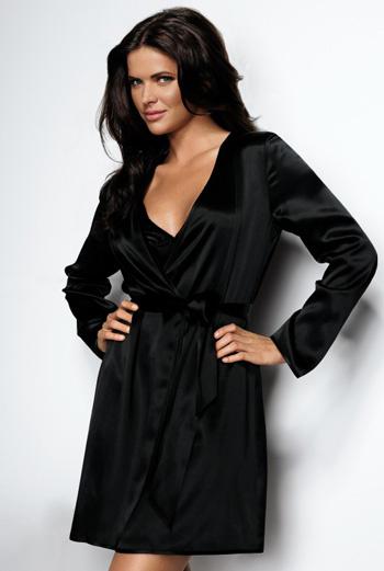 Мягкий черный халат из новой коллекции Triumph.