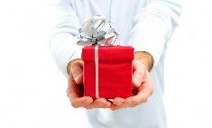 Как выбрать подарок жене на день рождения?