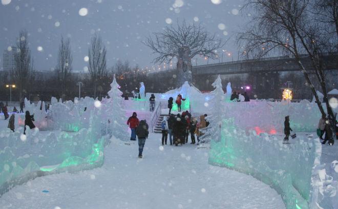 Омск, омские рекорды 2014 года, омская Книга рекордов, ледовый городок «Беловодье»