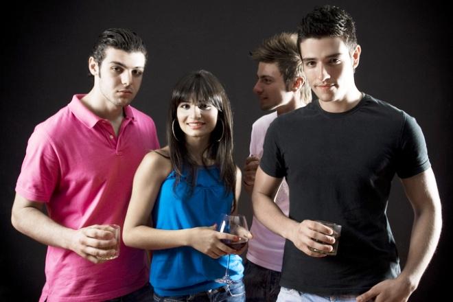 Подросток на вечеринке