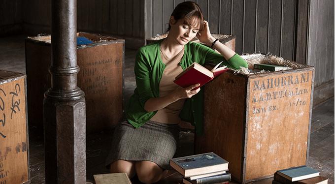4 причины посмотреть The Bookshop