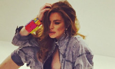 Линдсей Лохан обнажила грудь в модной фотосессии