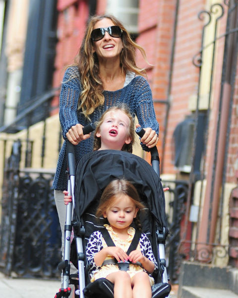 Сара Джессика Паркер с дочками Табитой и Лореттой