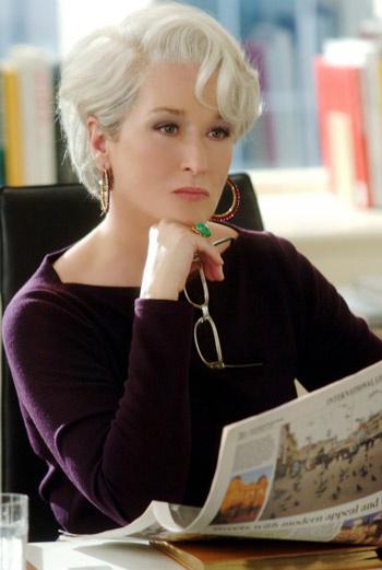 Героиня Мерил Стрип в фильме «Дьявол носит Prada» была главным редактором самого крупного глянцевого журнала в Нью-Йорке, а потому ее внешний вид не оставлял никаких пререканий.