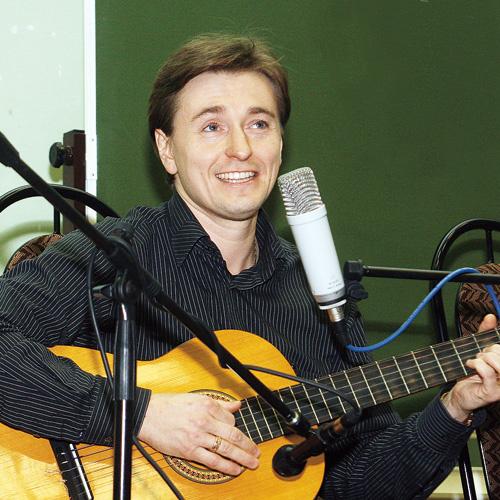 Безруков уже сыграл в кино Пушкина, Есенина. Теперь Высоцкий?