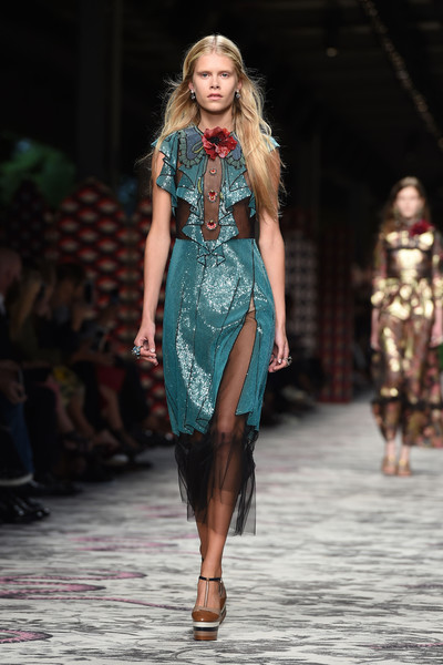 50 лучших платьев Недели моды в Милане | галерея [1] фото [50]