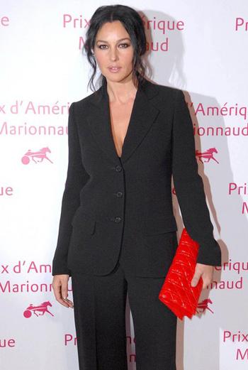 Итальянская актриса на гала-ужине в Париже.