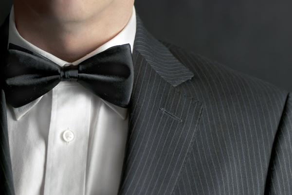 Галстук-бабочка к мужскому костюму