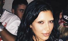 Ким Кардашьян обесцветила брови