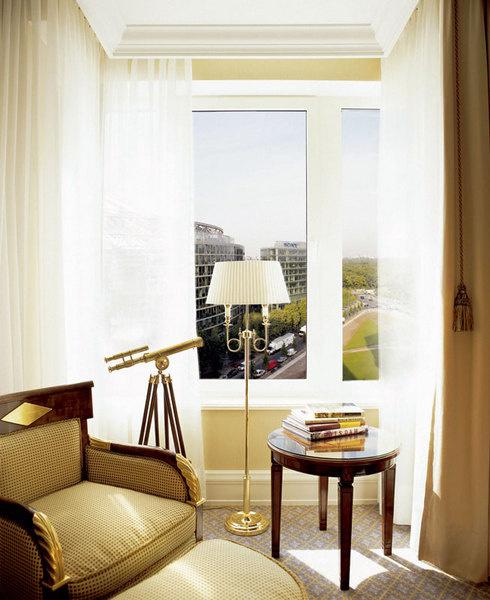 Почти из всех номеров отеля Ritz-Carlton Berlin открывается вид на знаменитую Потсдамер-плац.