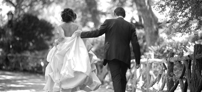 Еще одно убеждение свахи: самые прочные браки заключаются не только по любви, но и с расчетом