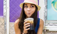 Эксперты: газировка может вызвать аллергию, а сок – ожирение