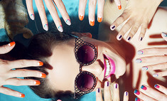«Одеваем» ногти: 7 трендов этой весны в маникюре
