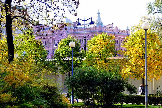 Аничков сад, Петербург