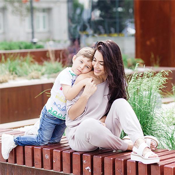Елена Майсурадзе с сыном Феликсом, фото