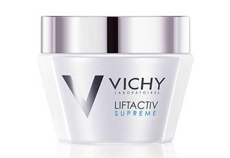 Перламутровые гранулы Liftactiv Supreme, Vichy, мгновенно улучшают цвет лица. А технология «Рассеянный свет» матирует и скрывает несовершенства.