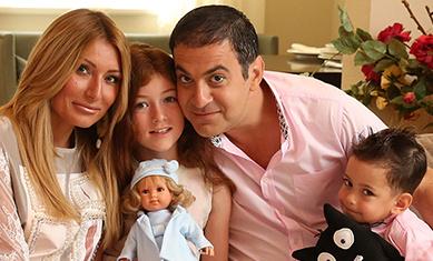 мартиросян гарик с семьей фото