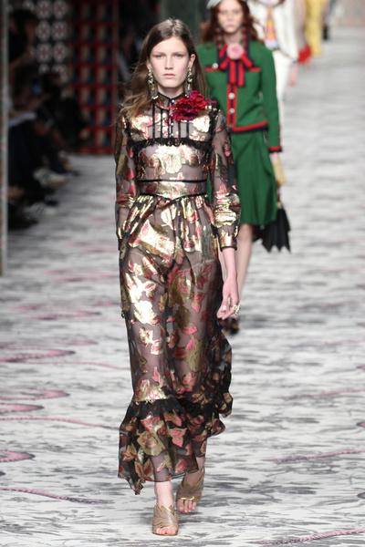 50 лучших платьев Недели моды в Милане | галерея [1] фото [49]
