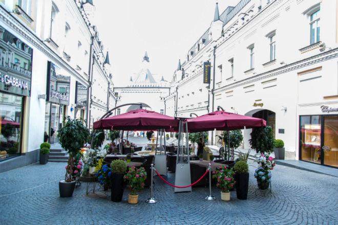 Веранда Romanov Bar