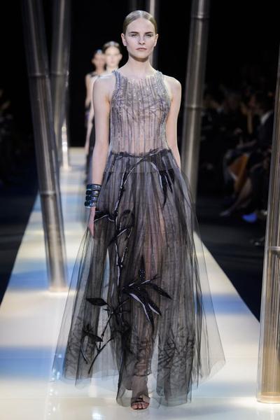 На Неделе высокой моды в Париже прошел юбилейный показ Giorgio Armani Prive | галерея [2] фото [12]