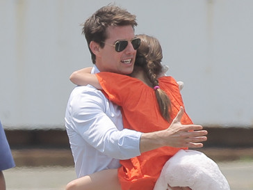 Том Круз (Tom Cruise) и Сури Круз (Suri Cruise)