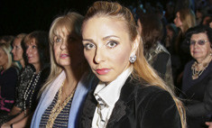 Татьяна Навка пришла на показ Юдашкина в прозрачной юбке