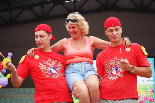 Фестиваль близнецов в Парке имени Горького