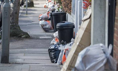 мусорные баки англии полны едой которую накупили впрок