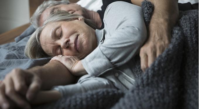 «Я просыпаюсь задолго до будильника»: как вернуть крепкий сон