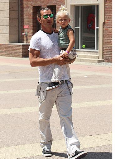Гэвин Россдейл (Gavin Rossdale) с сыном Зумой Неста Роком