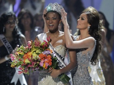 Представительница Анголы Лейла Лопес удостоилась титула «Мисс Вселенная»