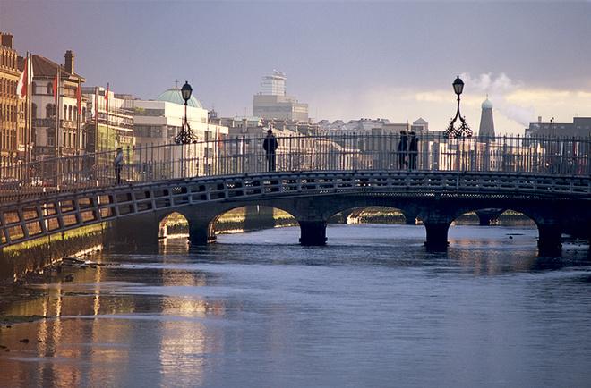 В Дублине десятки мостов — один прекраснее другого.