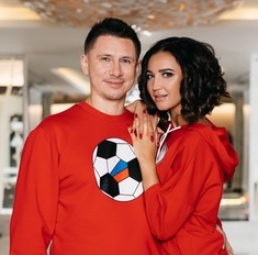 День влюбленных: Бузова и Батрутдинов снялись в романтической фотосессии