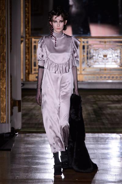 Самые красивые образы Недели моды в Лондоне | галерея [1] фото [17]