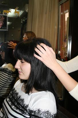 Как сохранить прическу под шапкой, пудра, объемный волос