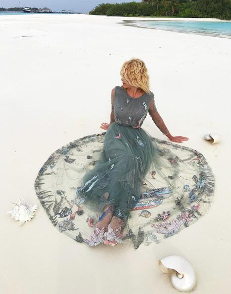 Яна Рудковская в платье Valentino