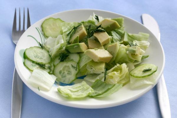 Салат с авокадо и огурцом: рецепт