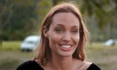 В сеть попал ролик с Анджелиной Джоли без макияжа