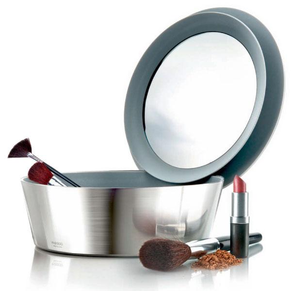Шкатулка для туалетных принадлежностей, зеркальная крышка держится на краю чаши, Eva Solo, магазин Design Boom.
