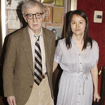 Вуди Аллен и его супруга Сун-Ю