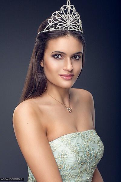 Анна Жолудева