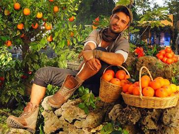 Турецкий певец Таркан в российской рекламе