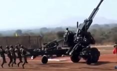 Индусы разворачивают грозную пушку на военных учениях (невероятно смешное видео)