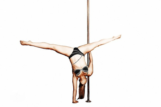 Polesport/polefitness – спортивный танец, где основной акцент делается нf трюковой составляющей