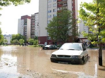Польскую столицу заливает