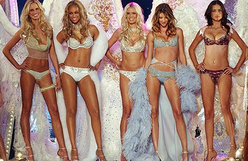 Белье Victoria's Secret можно купить в Москве.
