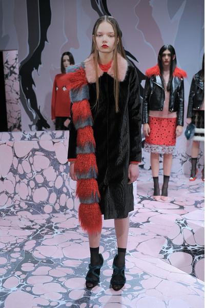 Самые красивые образы Недели моды в Лондоне | галерея [1] фото [16]