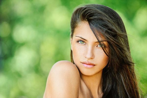 зеленоглазая брюнетка тип женщины